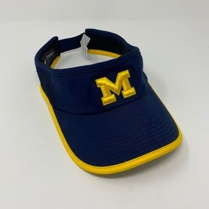 Nike Michigan Featherlight Performance Visor